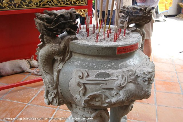 Incense burner, guarding the entrance of Snake Temple